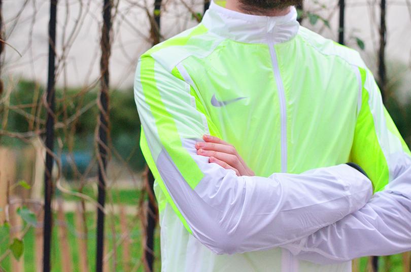 test revolution jacket Nike 4